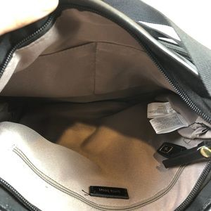Tutilo Bags - Tutilo• Black & Gold Cross Body Bag